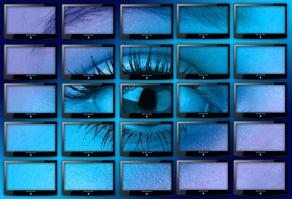 eye on multiple screens